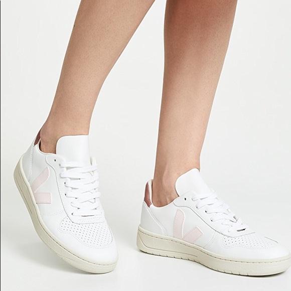 e8fdf1eb5c22a Veja V-10 Lace Up Sneakers